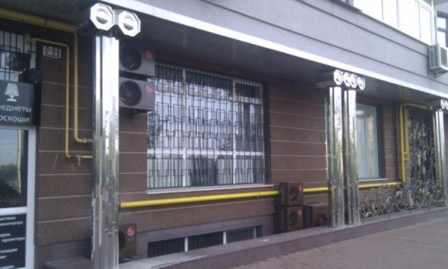 Наржные блоки кондиционеров, покрашенные в цвет фасада