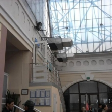 канальные кондиционеры с направляющими для подачи воздуха в зону остекления. Одесса