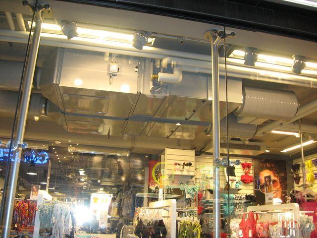 Монтаж приточно-вытяжной системы в открытом виде. бутик, Стокгольм