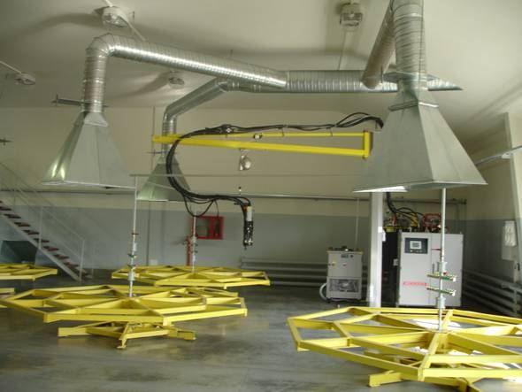 Вытяжные зонты в вентиляции на производстве