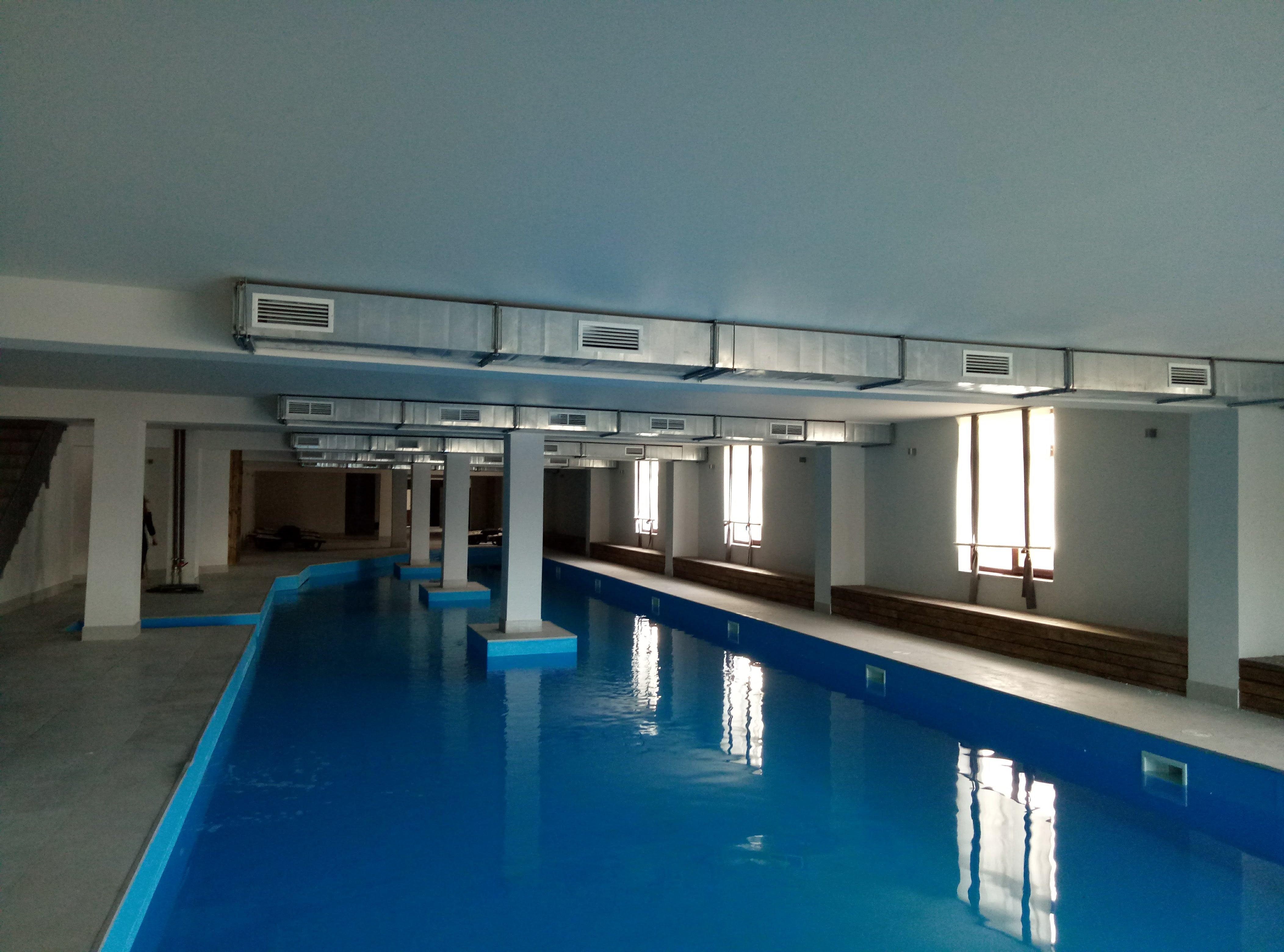 Система вентиляции в бассейне спа-центра